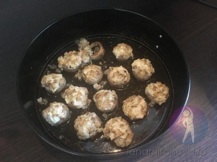 запеченные шампиньоны на сковороде