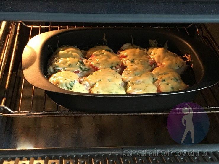 сыр плавится на мясе в духовке